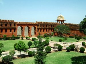 Nearby attractions to Nahargarh Fort